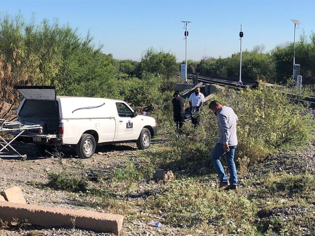 Hombre se ahorca a un costado de las vías del tren en Frontera