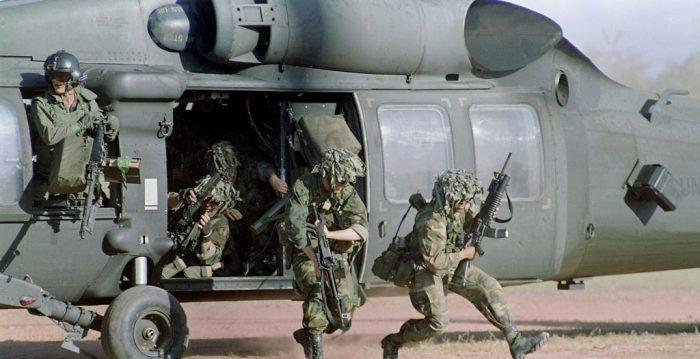 Panamá y EU inician rescate de restos de dos militares accidentados en 1985
