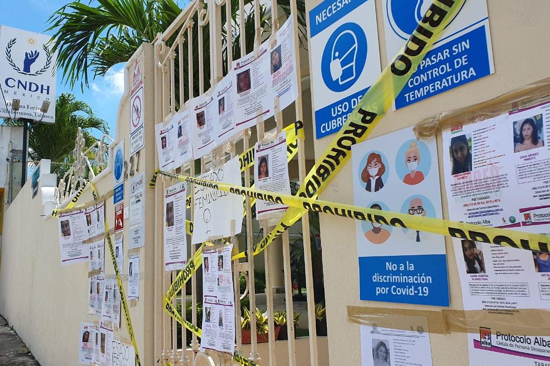 Feministas protestan en sedes de Derechos Humanos en Puebla y Tabasco