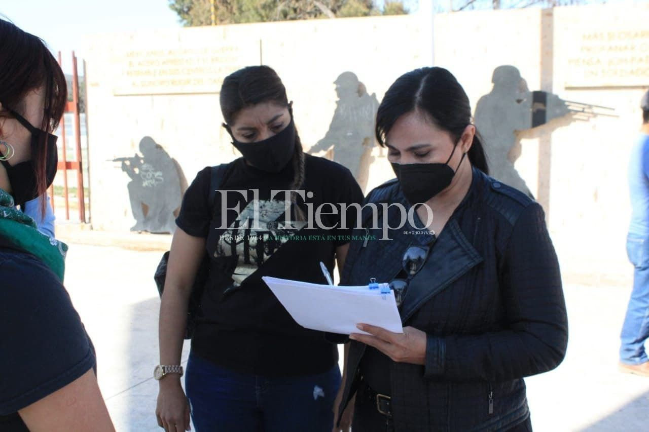 Protestan por acoso sexual en la Prepa 24 de Monclova
