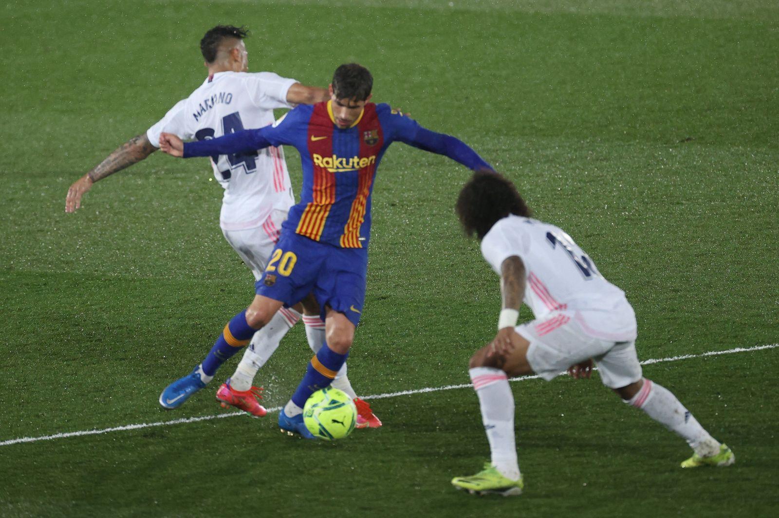Real Madrid se lleva el clásico ante Barcelona