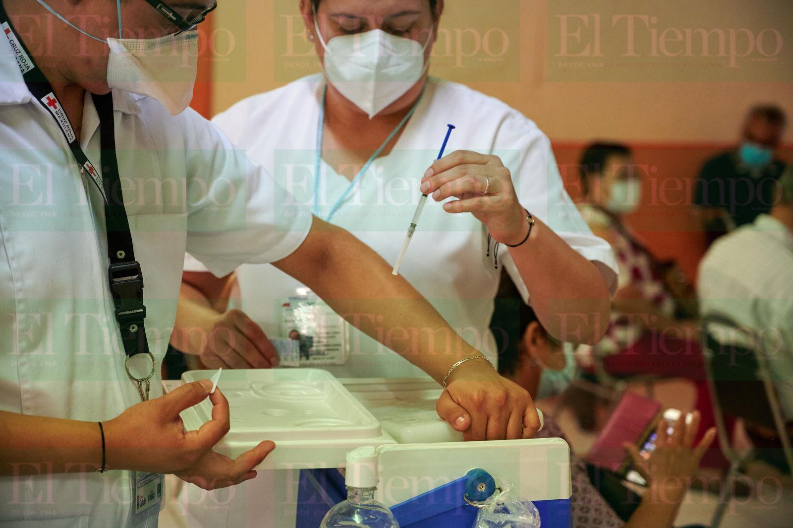 Vacunación antiCOVID-19 en adultos de 60 años en Sacramento