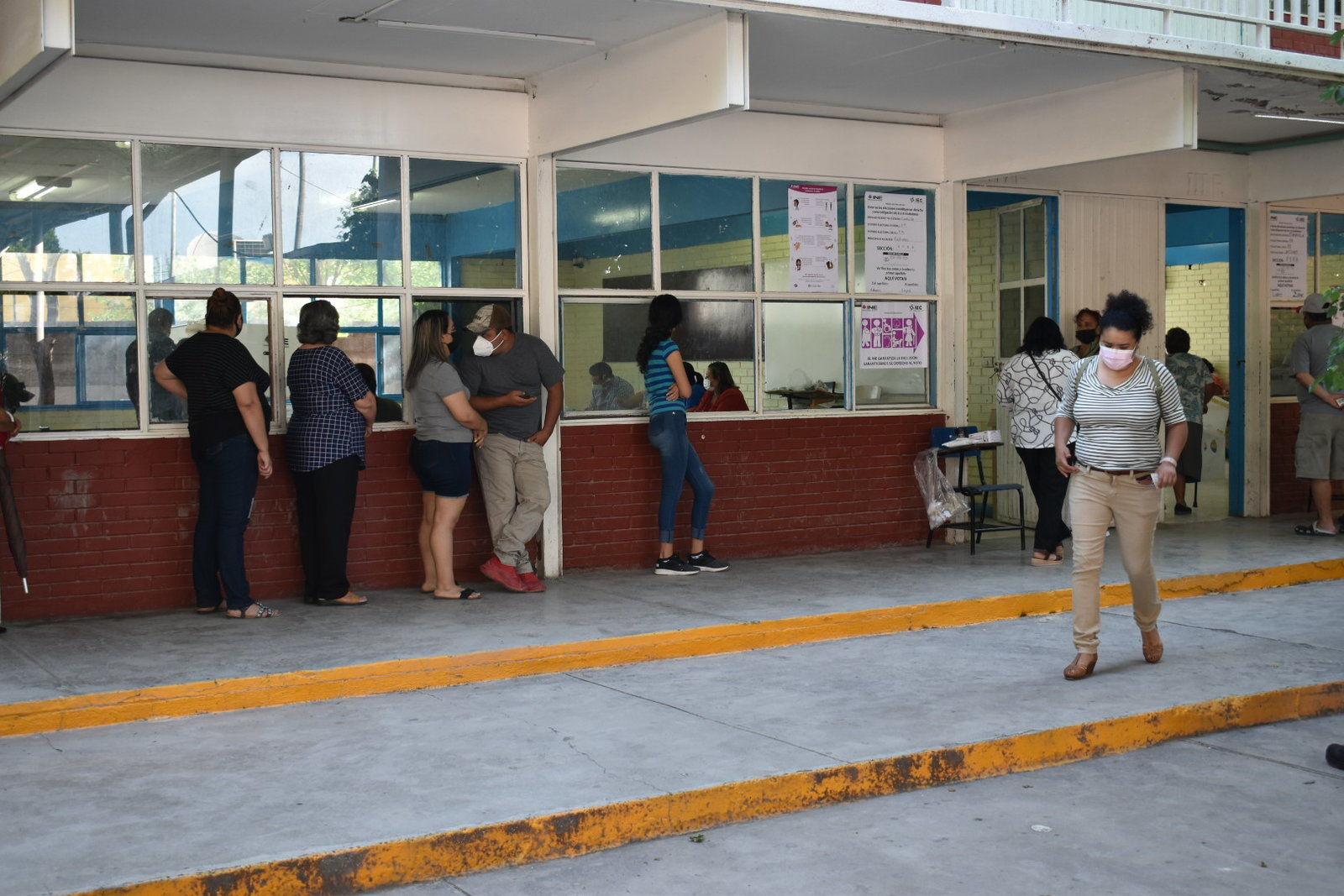 Ciudadanos de la Región Centro participan en jornada electoral