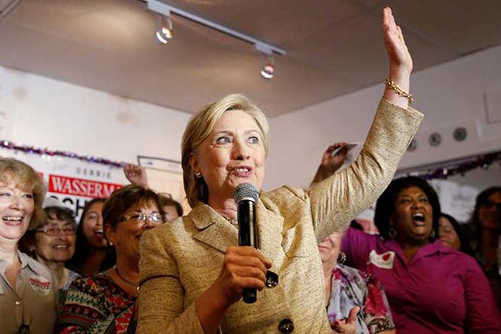 Trump acusa a Clinton de corrupción