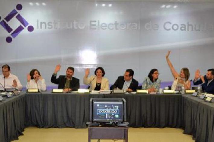 Vapulean a los Moreira en primer debate en Coahuila