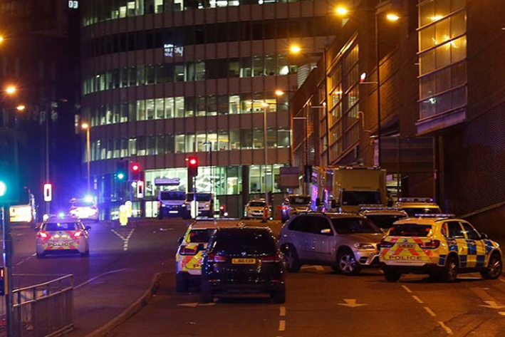 Se elevan a 22 los fallecidos en el atentado suicida de Manchester