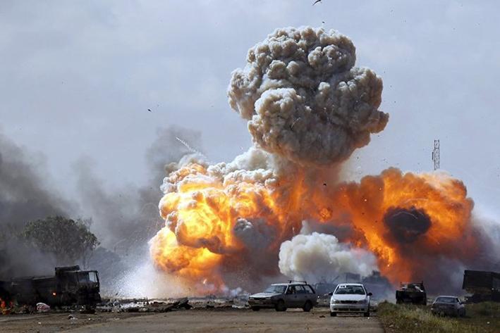 Reportan al menos 141 muertos en ataque contra base militar en Libia