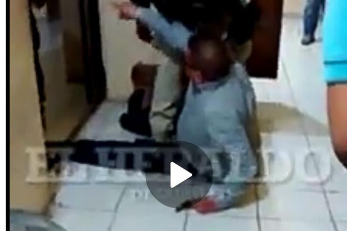 Alcalde ebrio pelea con policía en Coahuila