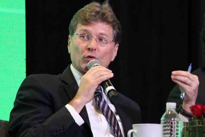 Propone Secretario de Turismo legalización de la marihuana en algunas zonas