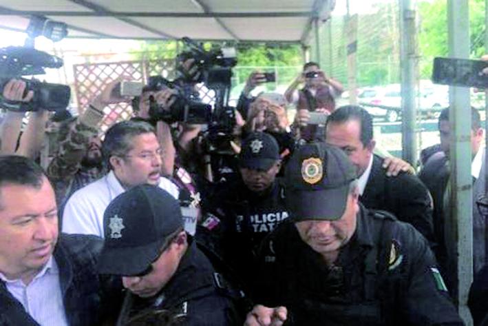 Aseguran propiedad relacionada a ex secretario de seguridad de Javier Duarte
