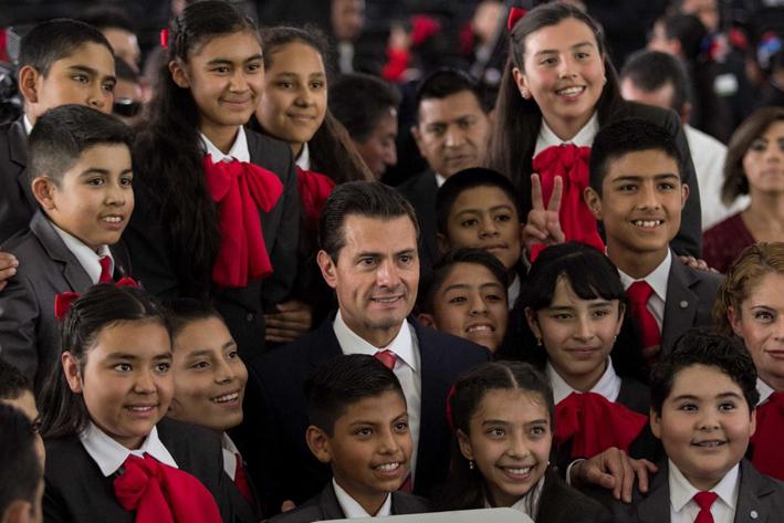 Peña Nieto y Sebastián Piñera dialogan sobre intensificar intercambio comercial