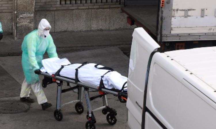 Muere médico por COVID-19 tras brote en hospital de Monclova